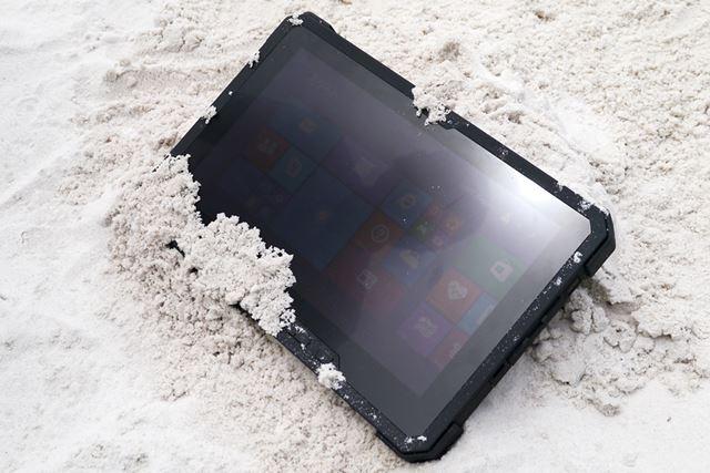 11.6型液晶ディスプレイを搭載するLatitude 12 Ruggedタブレット