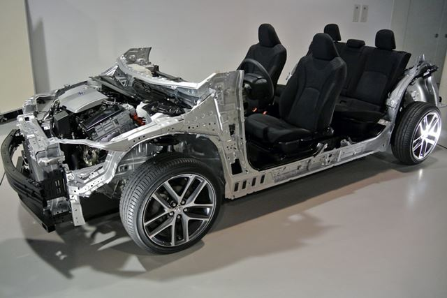 クルマの基本骨格をモジュール化する「TNGA」。それを採用する最初の市販車が新しいプリウスだ