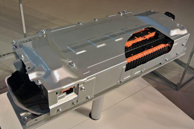 リチウムイオンバッテリーは、重量にすぐれる