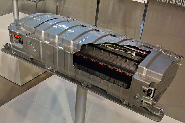 ニッケル水素電池は、重量では不利だが、低温に強く寒冷地仕様車に搭載されそうだ