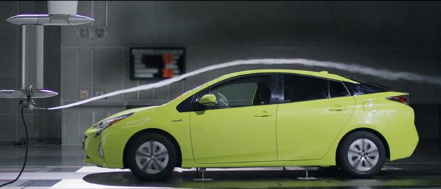 CD値0.24というすぐれた空力特性を備えたボディ。もちろん燃費に有利だ