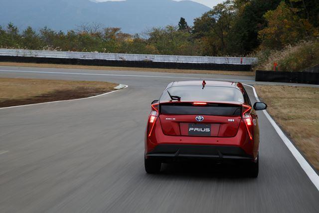 ブレーキの効きや安定感も大きく改善されており、心強いフィーリング