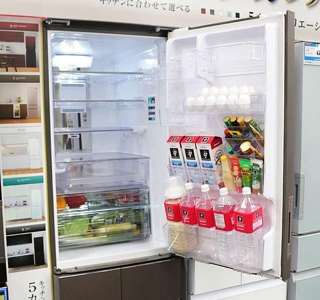 野菜室の容量は35L。冷蔵庫の1番下に配置されている