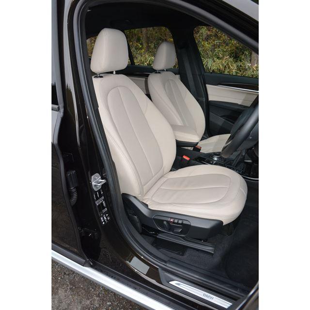 BMWは伝統的に前席のパッケージには余裕がある