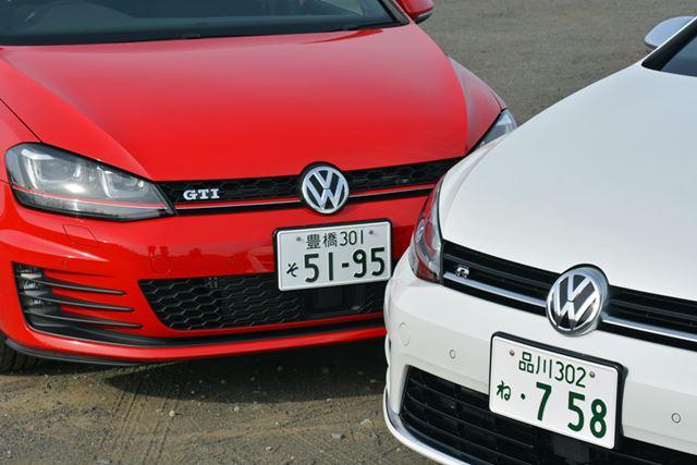 フロントのグリルを見ると、ゴルフ Rには白の、ゴルフ GTIには赤いラインが走っている