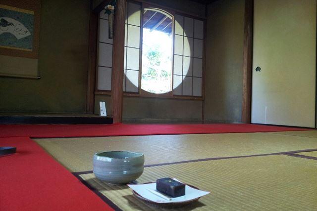 店内には茶室もあるので、畳に座ってお茶をいただくこともできる。予約は不要