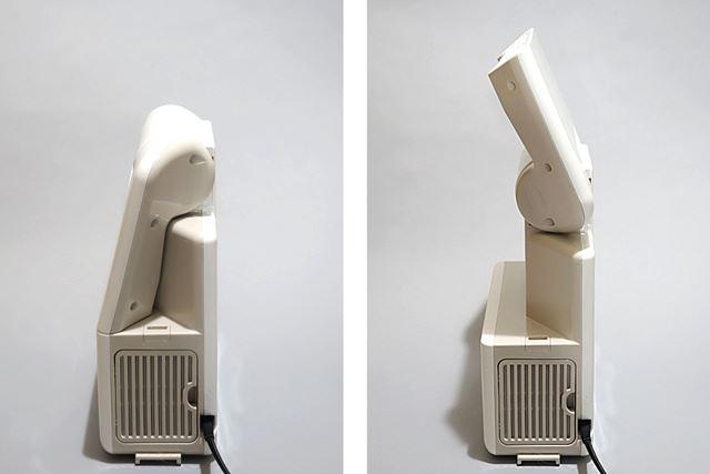 使用する際は本体上部のフリップを開く。フリップは22段階で角度調整が可能