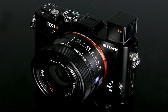 注目度の高い高級コンデジ、RX1R II