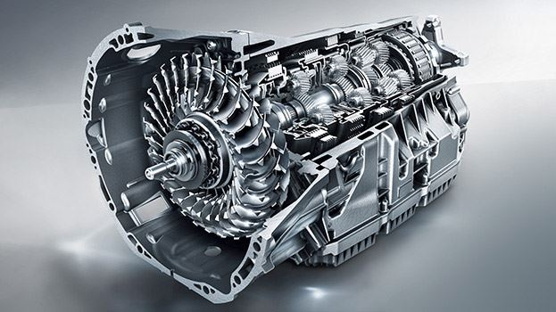 トルクコンバーター式ATでは最多の9段変速に対応した9G-TRONICを採用する