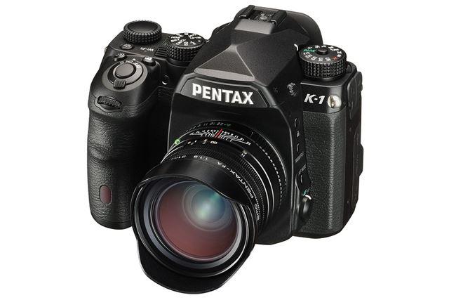 FA Limitedシリーズを代表する銘レンズ「smc PENTAX-FA 31mmF1.8AL Limited」を装着したイメージ