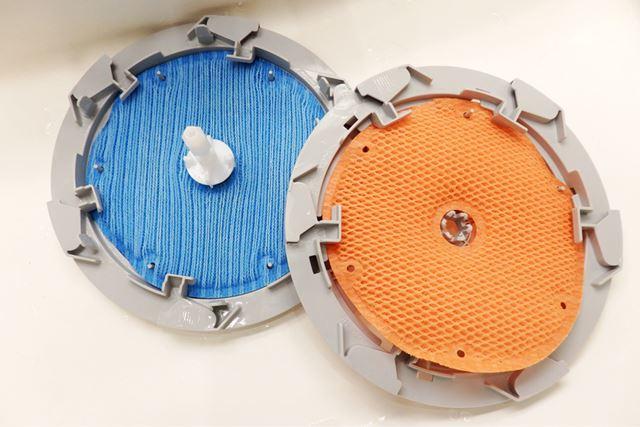 加湿フィルターのサイズは小さいが、2枚重ねにすることで加湿能力を高めている