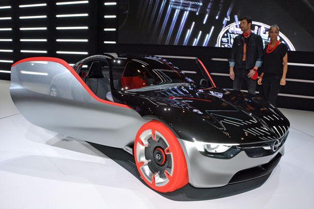 オペルは小さなスポーツカーのGTコンセプトを公開