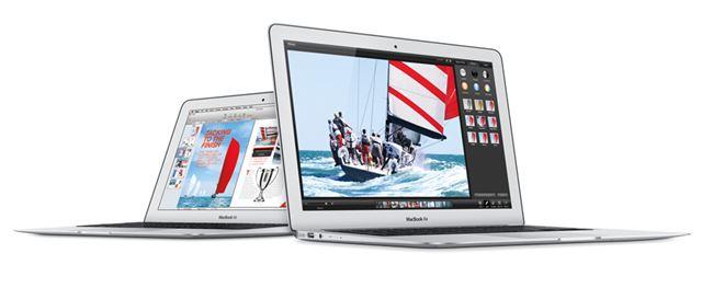 MacBook Air 1600/11.6 MJVM2J/A(左)