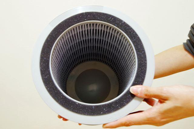 内側には、不織布が何層にも折り重なったHEPAフィルターを装備。PM2.5もしっかりキャッチしてくれる