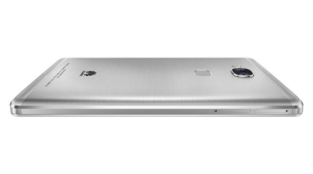 金属ボディに指紋センサー、フルHD液晶など、使い勝手に直結する要素に注力している