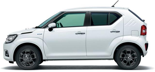 全長はわずか3.7mというコンパクトさ。車重も軽自動車並みに軽い