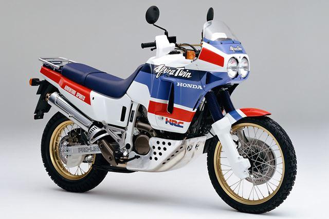 ラリーマシンのイメージを踏襲したデザインで多くの人を魅了した初期型の「XRV650」