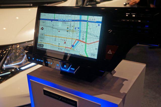 ホンダの「ステップワゴン」専用となる「AVIC-CE900ST」。価格は31万円前後。発売は9月の予定