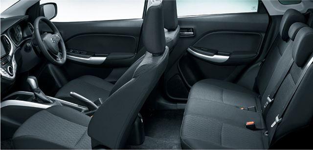 室内空間や内装の質感など、「スイフト」よりも車格は上。ファミリーカーとしても使いやすい