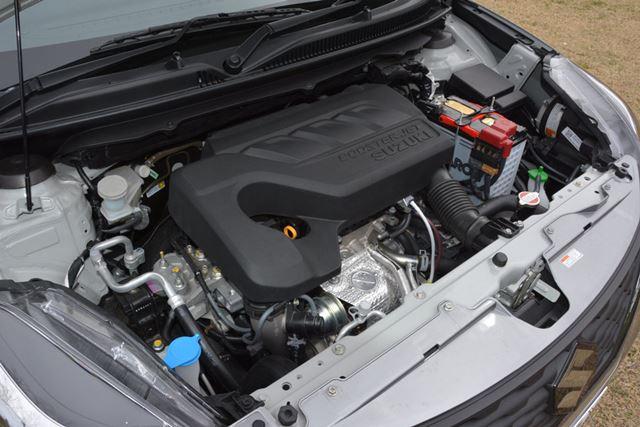 XTのエンジンは1リッター3気筒の直噴ターボ。力感も十分でロングドライブも疲れにくそうだ