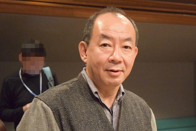 アーティストマネージメント・音楽制作を行う株式会社コンポジラの社長、鈴木誠さん