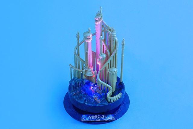 別売りのLEDライトユニットでお城をライトアップさせることもできます