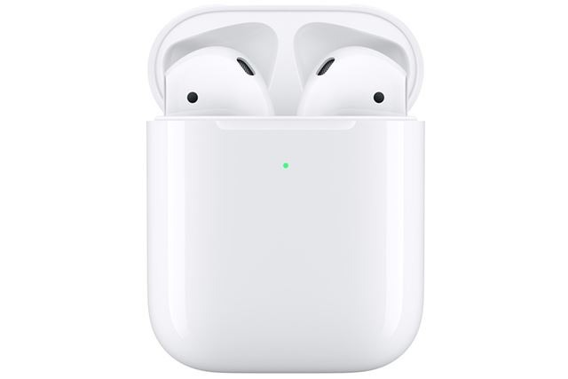 アップル「AirPods」(写真はAirPods with Wireless Charging Case)