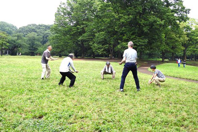 すぐ後ろでご老人の集団が太極拳の練習をしていたため、思いがけずシュールさが増した