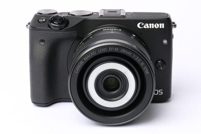 ミラーレスカメラ「EOS M3」にEF-M28mm F3.5 マクロ IS STMを装着したイメージ