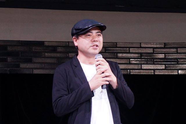 ディレクターの外山圭一郎氏