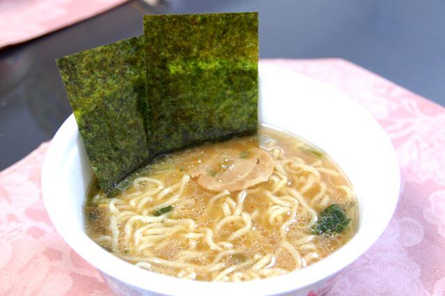 横浜とんこつ家が完成! 豚骨の旨みと醤油の濃厚な味わいのバランスが絶妙です
