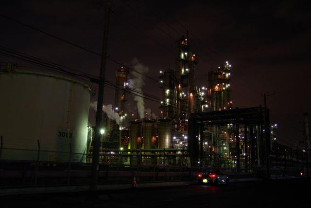 写真1 夜景モード、1/8秒、F4.0、ISO1600、+1補正
