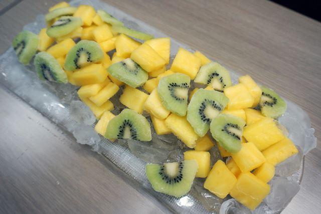 果物を入れてタイマー冷凍すれば、30分でシャーベット状になる