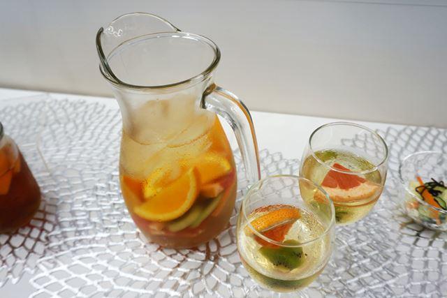 シャーベット状になった果物をジュースやお酒にINしても、おいしい!