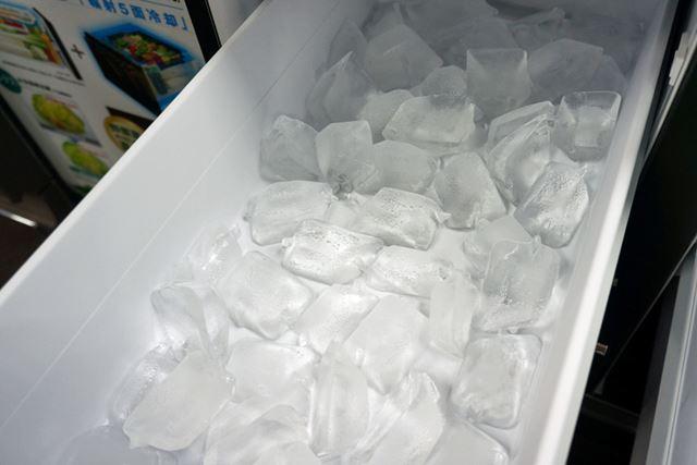 大きくてクリアな氷が作れるのも、メガフリーザーの人気のひとつ