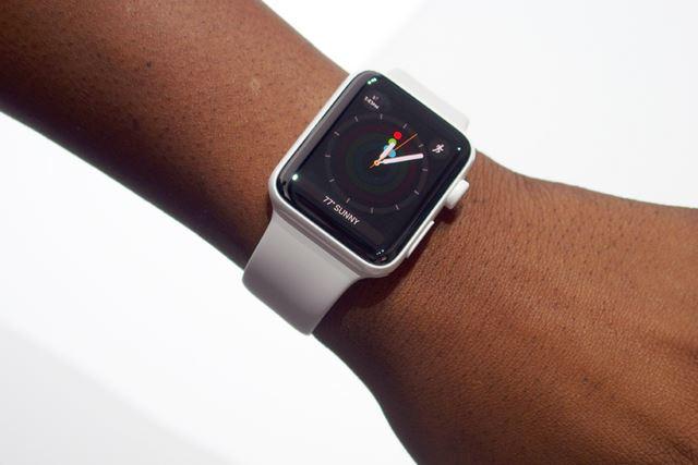 ホワイトセラミックを使ったApple Watch Edition
