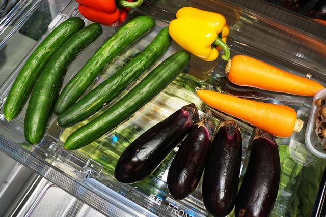 新モデルで同期間保存した野菜は、買ってきた時のように艶々で、見るからに鮮度がよさそうなのがわかります