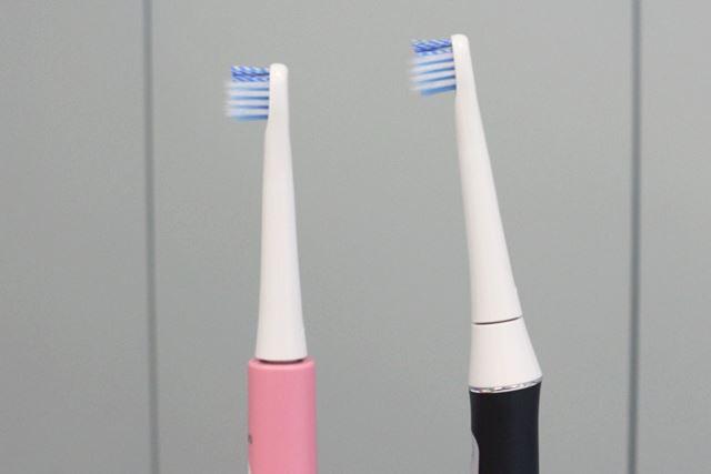 ヘッドが直線の従来機(左)と比べると、「HT-B315」のヘッド(右)は傾いていることがわかる