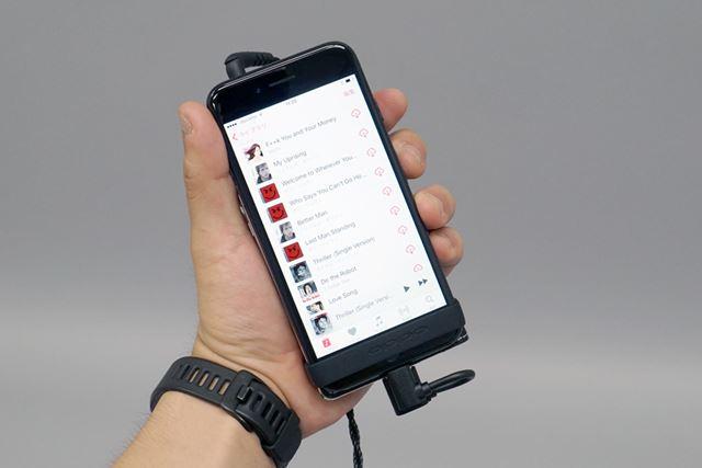 iPhoneやDP-X1とデジタル接続して試聴を行った