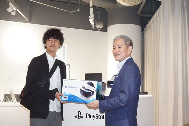 The man who became the first purchaser at Sony Store Ginza. He said,