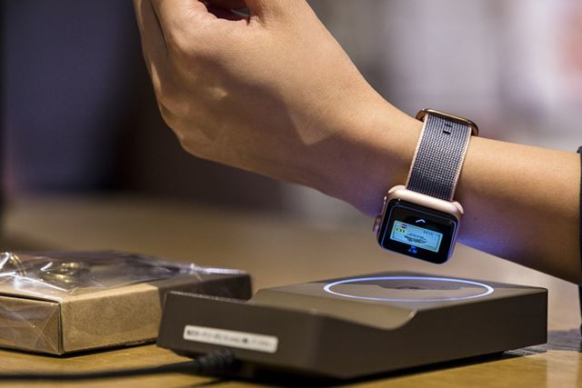 Apple Watch Series 2はディスプレイ面にアンテナが埋め込まれている