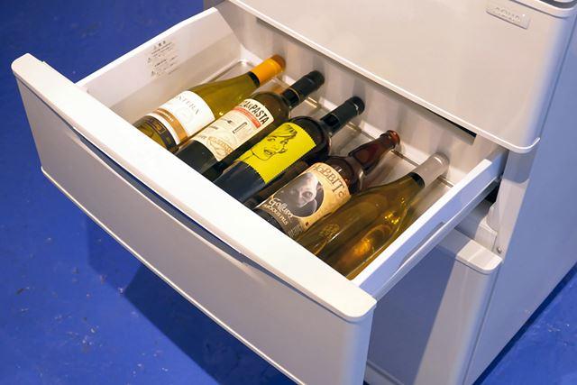 引き出しても、ワインの大きさとトレイの大きさがぴったりでガタつかないのは発見