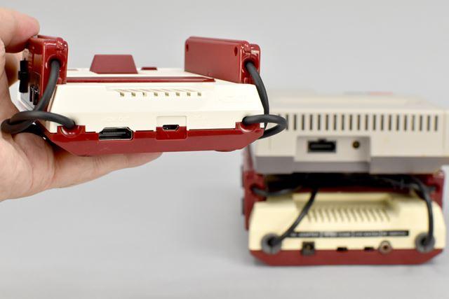 ミニファミコンの背面には、HDMIポートとmicroUSBポート(タイプB)が装備されています