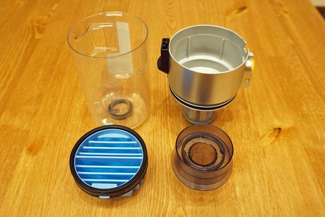 ダストカップは分解してフィルターまで水洗い可能