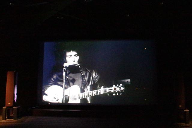 200型スクリーンとハイレゾでよみがえる60年代のボブ・ディラン