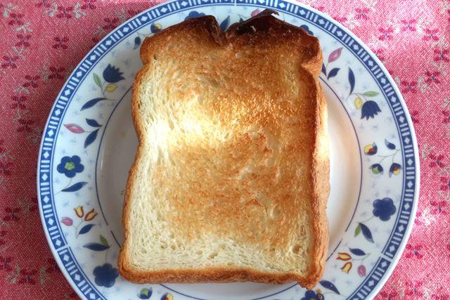 最後に。作ったパンを冷蔵庫で保存しておいて、トースターで焼いたらこれもまたおいしかったですよ