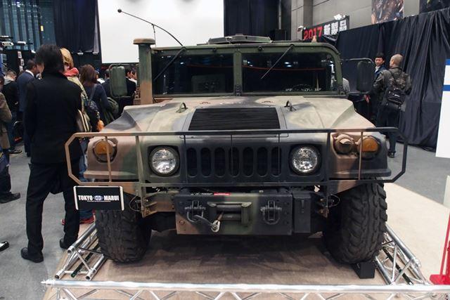 会場中央には、アメリカ軍の軍用車両「ハンヴィー(HMMWV)」も展示されていた