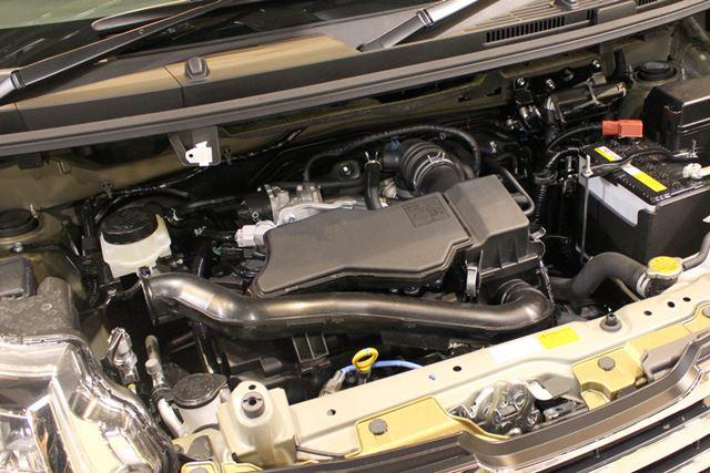 自然吸気エンジン「1KR-FE」は、51kW (69馬力)、最大トルク92Nmを発生。燃費は、24.6km/l(JC08モード)
