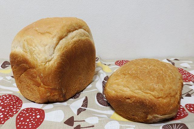 ちなみに、1斤の分量で食パンを焼くと平べったい状態になります。パンケースが1.5斤と同じですからね……