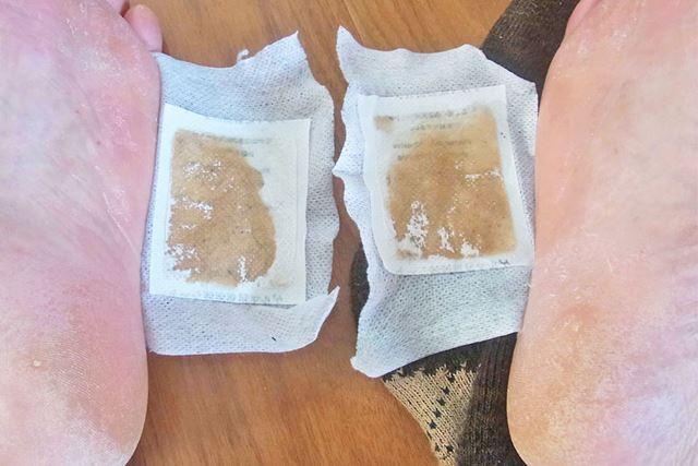 朝起きてはがしてみると、靴下の有無とは関係なくこのような結果に